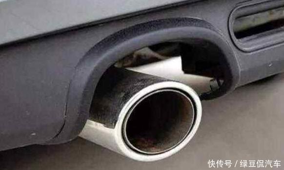 """""""一根排气管和两根排气管""""的区别在哪里?知晓实情,买错车"""