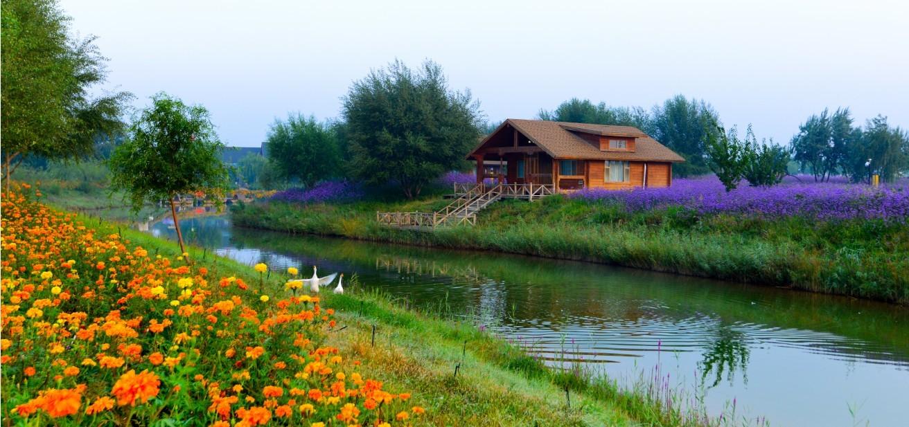 宁夏中卫金沙岛休闲度假区位于中国第四大沙漠——腾格里沙漠东南缘