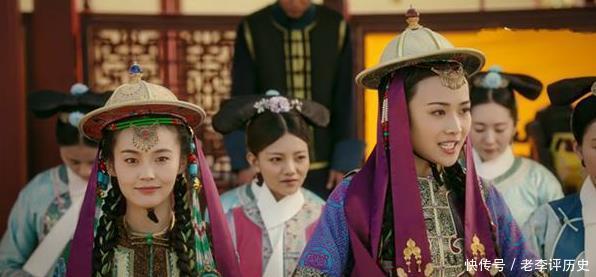 颖妃因争夺养女而与魏嬿婉敌对,历史上,她竟是令妃儿子的养母