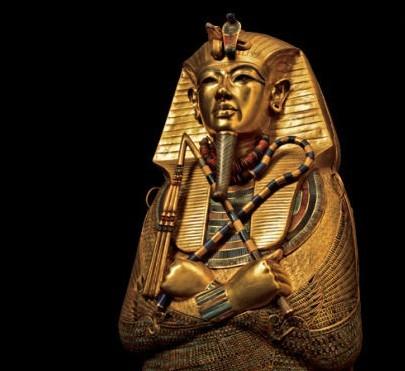 金字塔里面的木乃伊的图片