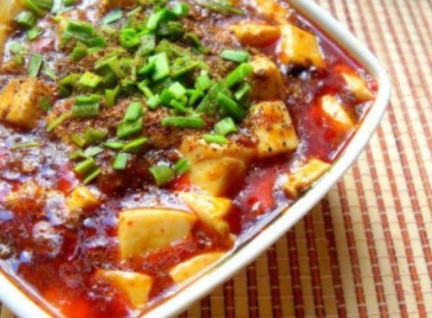麻婆豆腐怎样做才能不碎?忽略了这一步难怪做出来的不完整