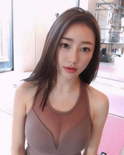 韩国瑜伽女神走红 着紧身衣自拍秀火辣身材 - 枫叶飘飘 - 欢迎诸位朋友珍惜一份美丽的相遇,珍藏