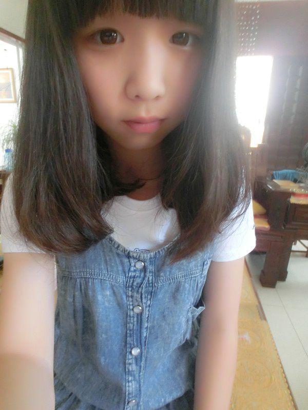 谁给我几张16岁女生照片要真实一点的同一个人