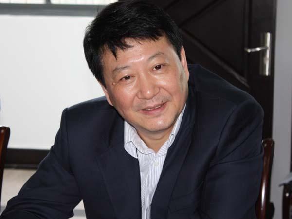 简历 刘志伟,男,汉族,1961年3月生,江苏南京人,1985年4月入党,1982年