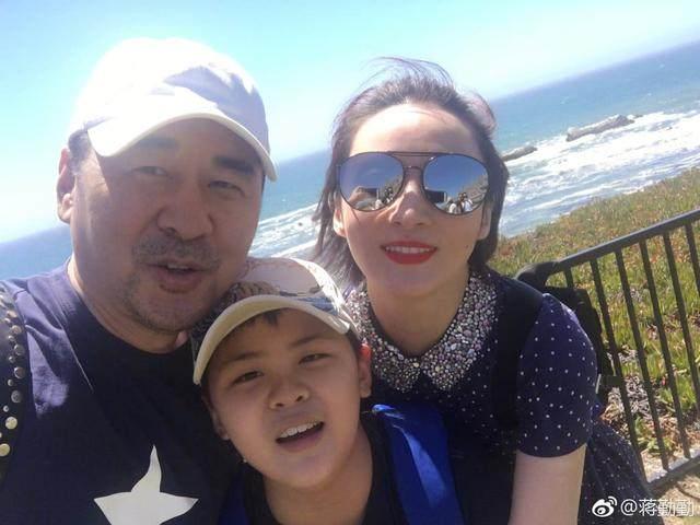 43岁蒋勤勤二胎预产期推迟6天还未生,网友安慰