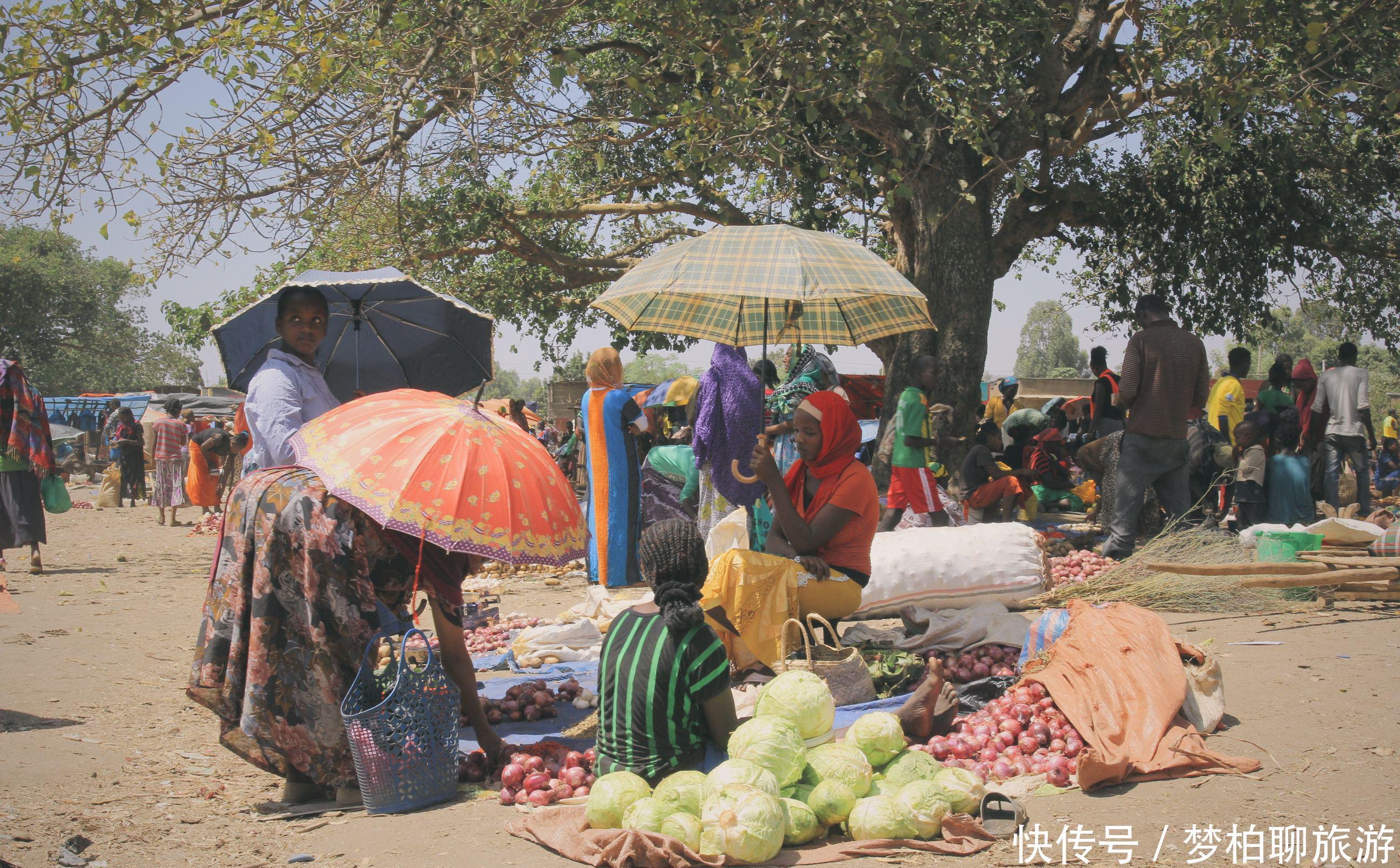 华人与非洲女子结婚后为何不带妻子回国呢当地人:留下比较好!