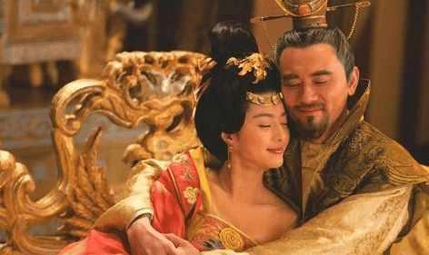 安禄山竟会和杨贵妃是母子,怪不的敢造反.