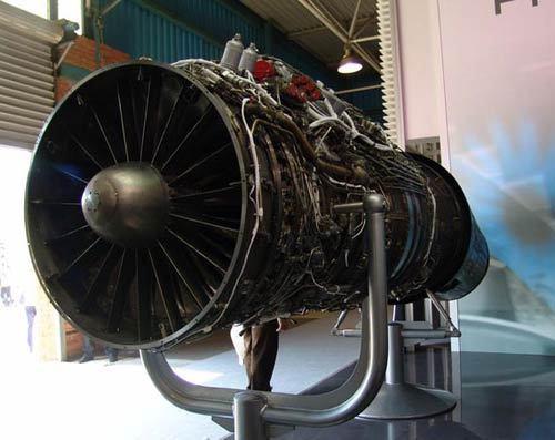 推力矢量发动机发动机尾喷口可以自由调节角度